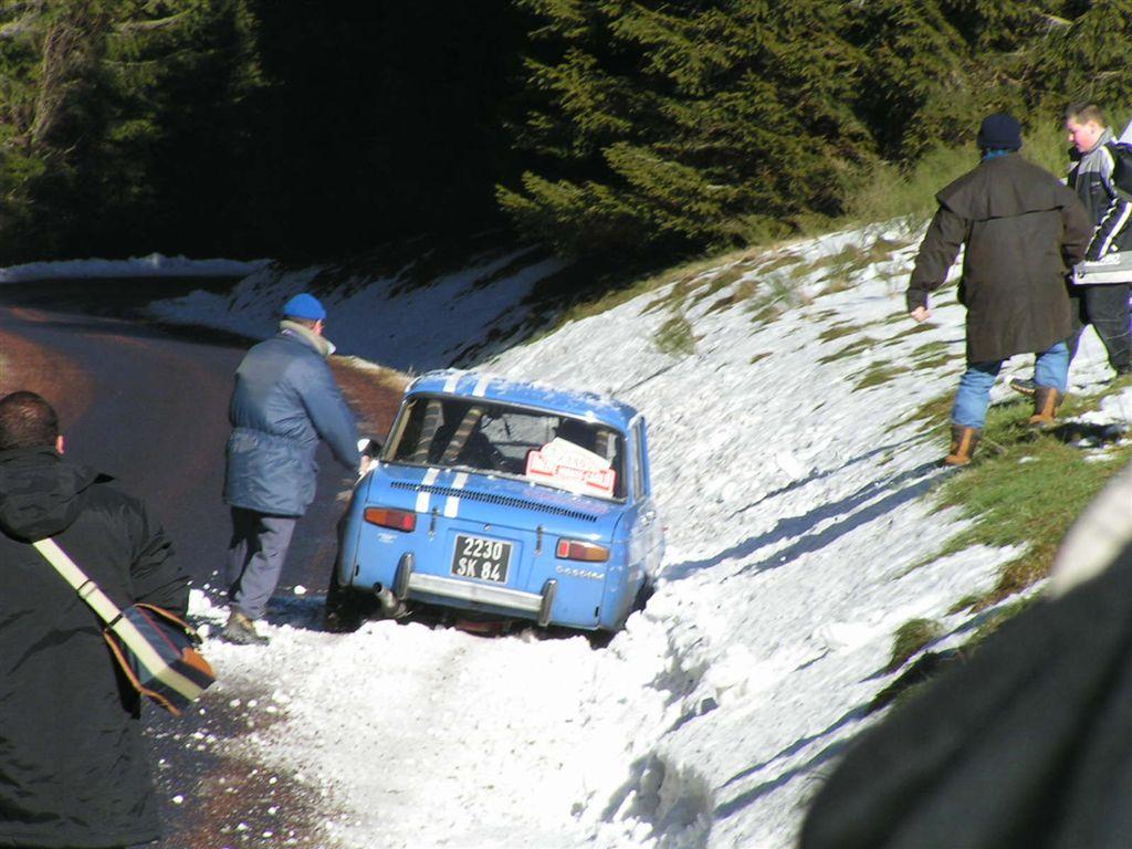 20040201 112 Monte Carlo Historique Renault R8 Gordini 1300 go back