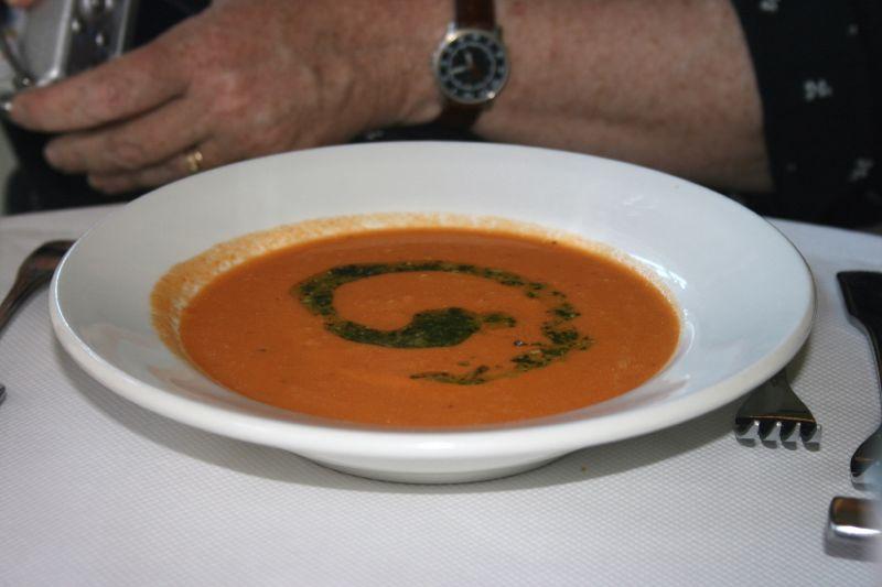 Tomato basil pesto soup