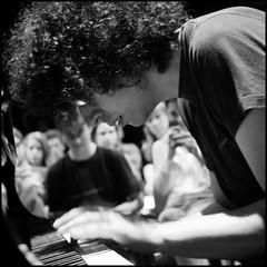 giovanni allevi (kilometro 00) Tags: mani pop musica musicista pianoforte pianista compositore giovanniallevi trevision