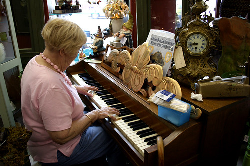 nanny plays in the antique shop