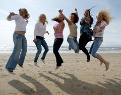 Bouncing Bloomingdale Beach Girls (JeromesPOV) Tags: girls beach netherlands smile happy jumping sand women funny boulevard shadows blondes teenagers sunny laughter peacesign airtime zandvoort brunettes prettygirls sunnyday 2007 bouncing nicegirls bloemendaal wildhair smilinggirls bloomingdale takemypicture bloemendaalaanzee 200705 youngladies supershot jumpingpeople jumpinggirls 20070527 nearzandvoort wearjeans