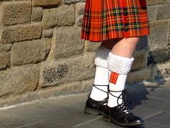 Edinburgh Piper (Melanie Hillock) Tags: man socks scotland edinburgh kilt royalmile streetperformer piper tricia bagpipes bagpiper tartan april2007 royalstewarttartan visitswithtricia legs