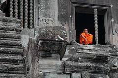 DSC_3801_resize (olopez) Tags: orange geotagged nikon bravo asia cambodia d70 monk unesco siemreap angkor wat worldheritage camboya patrimoniodelahumanidad nikonstunninggallery olopez oscarlpez diamondclassphotographer flickrdiamond flickrphotoaward