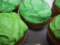 i love green (Little Grey) Tags: food macro green catchycolors dessert cupcakes sweet greenisbeautiful desserts delicious foodies foodporn sweets snacks brightcolors crayonbox iatethis foodcoma bakedgoods sweettooth colorandcolors sugaroverload gloriousfood worldconfectionery foodgasm afternoonsnacks yummyyummy colormyworld deliciousfoods cupcakelove cakefun ilovefood makefoodnotwar foodgloriousfood macrosweets icookedmadethis foodmacros foodfoodfood seeinggreen cupcakestakethecake itsyourcupcakecupcake acupcakelife afoodphotographyexperience macroandmacros greencupcakes sweetsweets colorsclub fortheloveofquorn cupcakeplanet greenandblueonly foodandspirits flickrfoodphotographers worldofmuffinandcupcakes foodattraction