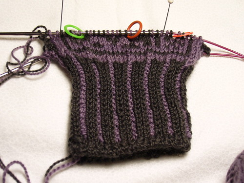 Anemoi Mitten in progress - hand