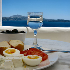 Mediterranean meal time (Frizztext) Tags: square greek mediterranean wordpress santorini greece galleries meal mealtime 100faves frizztext holidaysvacanzeurlaub