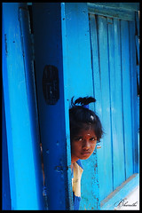 Who is that (bharathiclick) Tags: door blue india color girl who indian 2007 otty bharathi indiangirls artlibre