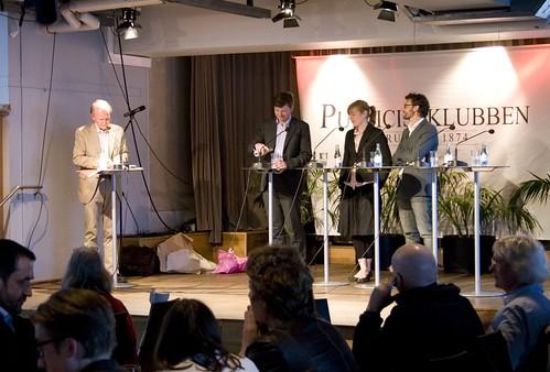 Tidningen Fokus tar emot Publicistklubbens pris