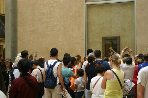 Tourist Crush in fromt of the Mona Lisa