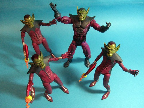 Super Skrull and Skrulls