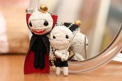 Dracula & Ronin (bettybl) Tags: thailand doll vampire dracula voodoo ronin kamibashi stringdollgang