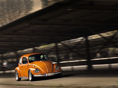 Low Orange 6 (Andreas Reinhold) Tags: orange motion blur bug volkswagen drive movement driving beetle fast kfer type1 wolle loworange