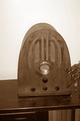 Cathedral Radio 1932 (I'mNotHer) Tags: wood sepia 1932 radio vintage wooden cathedral antique collections radios vintageelectronics vanishingbeauty objectsfromthepast radioheads vintagegoodies sepialovers retroworld abigfave thecollectioncollective tuberadiosrealradiosglowinthedark vintageretroandkitschelectronics radiohorfunk