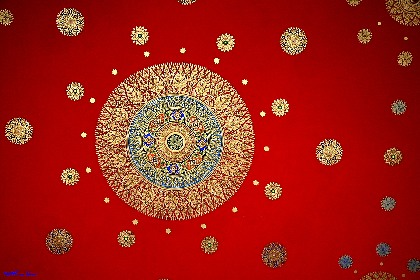 Pattern on ceiling of Wat Hua Lampong Bangkok