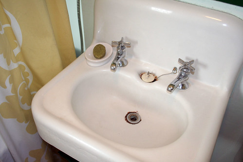 Retro Sinks Bathroom : Vintage Sink vintage sink -making it lovely