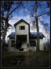 I'm still standing ... ([ Petri ]) Tags: abandoned espoo finland entrance oldhouse woodenhouse miserable soe impressedbeauty tillinmki rintamamiestalo