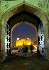 Lahore Fort (Max Loxton) Tags: old pakistan classic beautiful beauty pakistani yani ppg lahore badshahimasjid mughals yasirnisar towardspakistan beautifulpakistan pakistaniphotographers pakistaniphotographer maxloxton superaplus aplusphoto revisitinglahore pakistaniat wwwtowardspakistancom