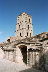 Cloitre Saint-Trophime 06 (paspog) Tags: monastery provence romanesque arles monasterio monastere kloster romanico mosteiro abbaye clocher abbazia abadia abtei artroman cloîtresainttrophime