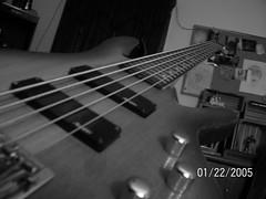 bass (Johneybones) Tags: buh