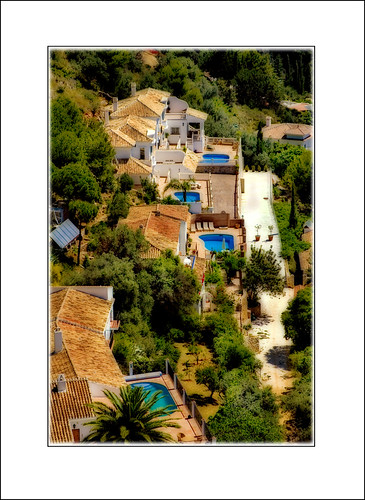 Rooftops At Mijas por Glenbourne At Home.