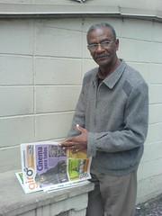 Quem disse que os jornais gratuitos são apenas interessantes para os jovens leitores?