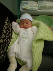 2007.03.27 - Primo piano di Roberto (scrip) Tags: roberto ospedale neonato