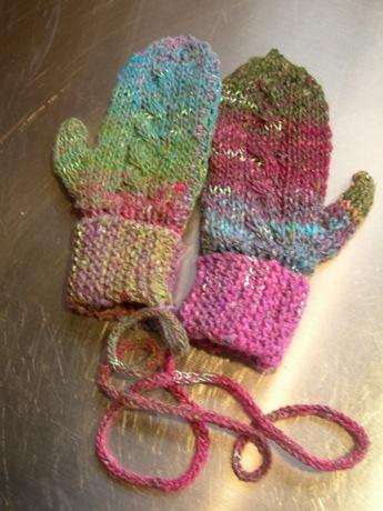 Aurora mittens