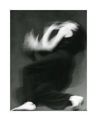 sursaut (jolle2007) Tags: blackandwhite blur solitude noiretblanc danse hour cry une flou seule mouvement cri danseuse saccades hourofthediamondlight