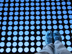 Dizzy (evie22) Tags: sanfrancisco goldengatepark blue people feet canon grid shoes circles canong5 round deyoung manipulate thebayarea