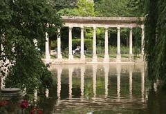 Parc de Monceau reflections