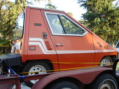 orange cars electric 80s trailer comutacar