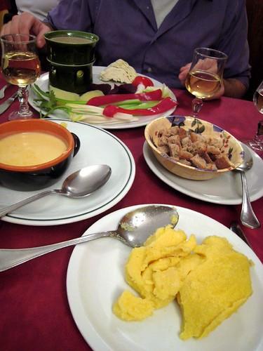Dinner at Taverna da Nando - bagna cauda and fonduta
