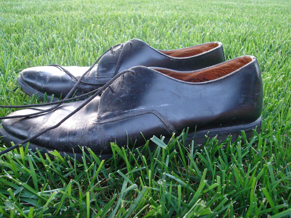 1bc6808719c7 dsc00088.jpg (mlinksva) Tags  grass backyard shoes craigslist worn  docmaartens