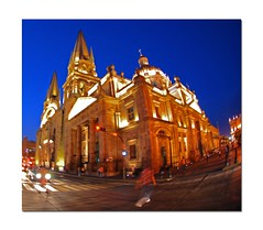Catedral de Guadalajara, Mxico... (McMexicano ) Tags: night mexico nikon cathedral vivid guadalajara fisheye nikkor 105mm d80 5for2 guillermobuelna