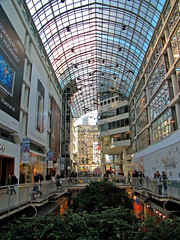 IMG_1622_edit (fotograf.416) Tags: toronto building architecture wideangle inside eatoncentre uvfilter 20060128