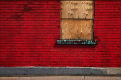 Red Wall (Sol Lang) Tags: old urban window stone wall alley decay plateau urbandecay bricks cement plateaumontroyal sollang plateaumontreal intmite intimitelandscape netneutrality utatafeature heutekunst