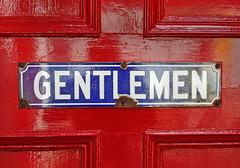 sign - GENTLEMEN (Leo Reynolds) Tags: scotland holiday vintage signrestroom typography grouptypography groupsigns leol30random canon eos 350d 0004sec f11 iso1600 30mm 0ev xcheckratiox xleol30x hpexif xxx2005xxx sign