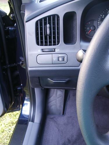 Hyundai Elantra 2005 Blue. 2005 Hyundai Elantra GLS quot;Moonlit Bluequot;. Driver side cubbies - not suitable