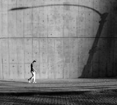 homem e poste (jcfilizola) Tags: rio sombra nikonstunninggallery