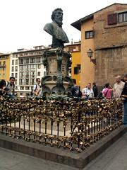 loads-of-locks (idlelight) Tags: florence firenze italy pontevecchio cellini statue locks padlocks zoomzoom
