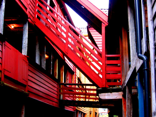 Bryggen overhead pathways