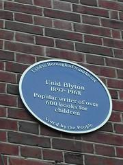 Photo of Enid Blyton blue plaque