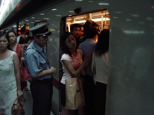 в метро пристает видео - 4