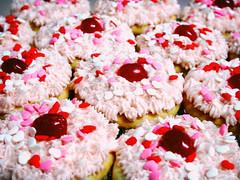 cupcakz (tinkernoonoo) Tags: pink red cakes topv111 cake hearts cupcakes baking topv555 topv333 cherries topv1111 cupcake topv777 fairycakes tinkernoonoo thebiggestgroup andrealove