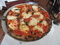 Bella Via / Long Island City (Adam Kuban) Tags: bellavia longislandcity queens newyorkcity nyc pizza pizzerias coalovenpizza nyccuisine