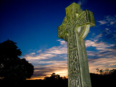 St Giles Dawn (Kevin Day) Tags: stgiles graveyard cross church stokepoges raw berkshire uk dawn sunrise slough thomasgrey celtic stone deleteme10 saveme10 intestingness england europe kevday topv555 topf25