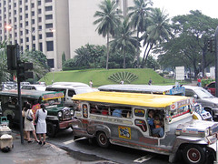rush hour15 (_gem_) Tags: road street cars asia southeastasia traffic jeep jeeps philippines vehicles transportation rushhour makati jeepney makaticity metromanila philippinejeepney