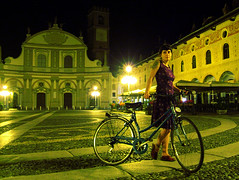 Piazza Ducale, 2:46 a.m. (Andrea Marutti) Tags: 2005 italy topf25 bicycle topv111 by night wow wonder topv555 topv333 italia gutentag topv1111 topc50 topv999 july bestviewedlarge 100v10f 200 photowalk topv777 piazza 300 top20night pati ducale bicicletta vigevano