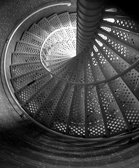 20050725   Cape May Lighthouse, Cape May, NJ 024 (Gary Koutsoubis) Tags: 2005 blackandwhite lighthouse abstract stairs wow spiral newjersey interestingness topc50 staircase capemay gak capemaylighthouse