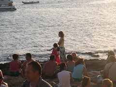 Walking around the beach (Carlitos) Tags: spain europe ibiza sanantonio cafedelmar balearics baleares sunset sea espaa sarah martha